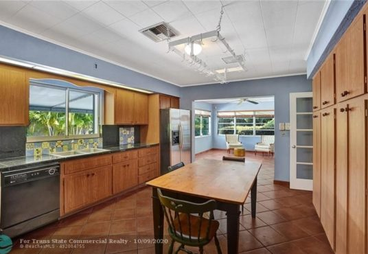 2424 bayview dr fort lauderdale