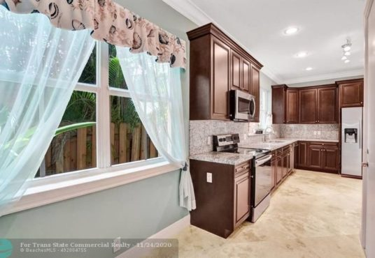 922 sw 8th st fort lauderdale